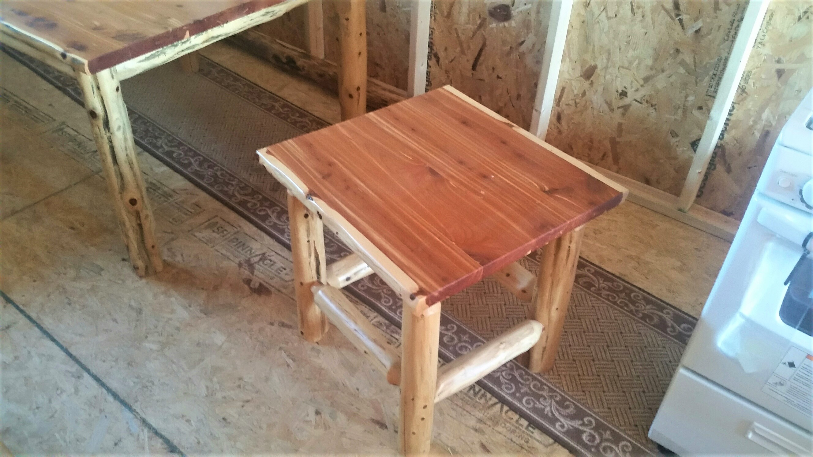 Stupendous Red Cedar End Table Download Free Architecture Designs Scobabritishbridgeorg
